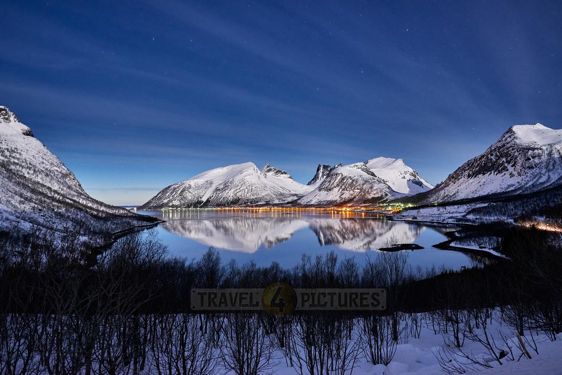 winter landscape of Bergsfjorden at night