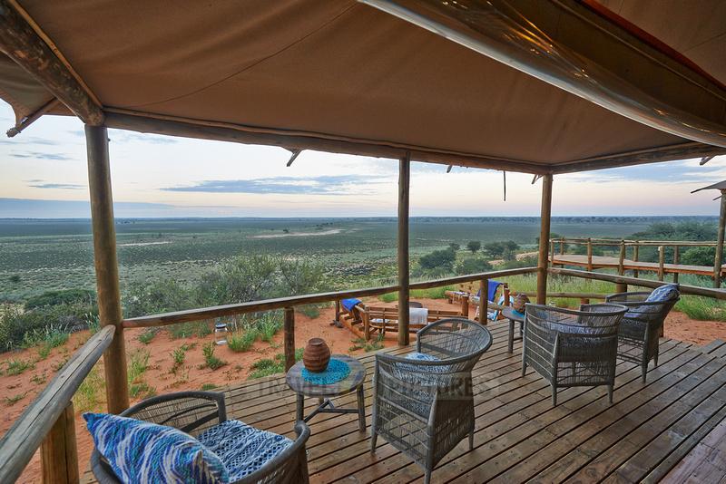 Blick von einer Terrasse des Polentswa Tented Camp  |view from terrace of Polentswa Tented Camp|