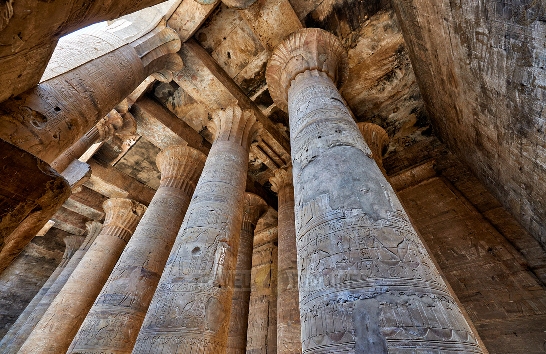columns of the Pronaos or outer Hypostal hall