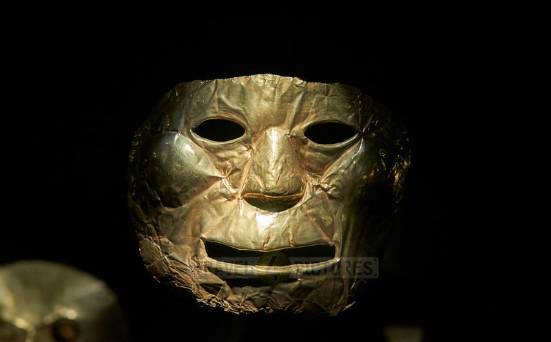 Golden mask