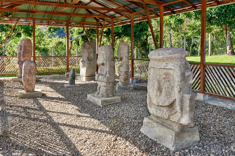 sculptures of El Tablon in Tierradentro