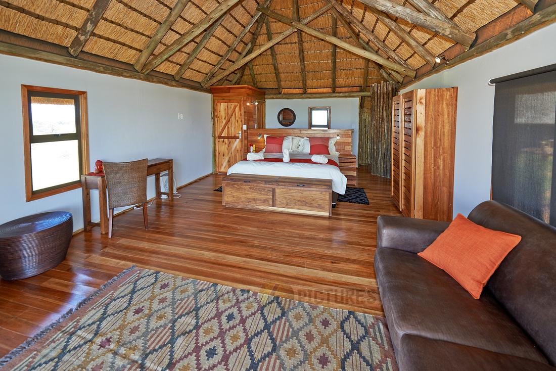 Innenansicht eines Zimmer der Rooiputs Lodge |interior view of room in Rooiputs Lodge|