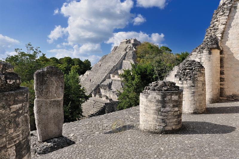 pyramid Estructura IX