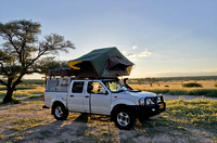 4x4 car with roof tent in Mabuasehube