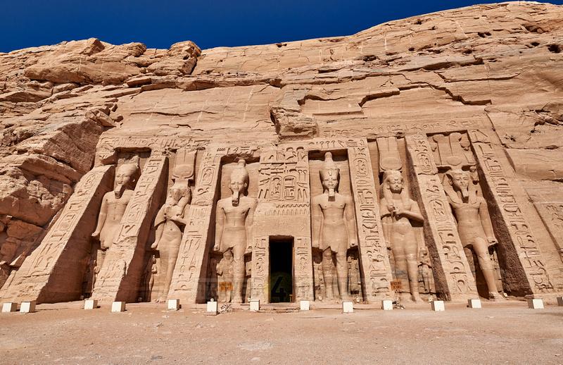 Hathor-temple of Nefertari