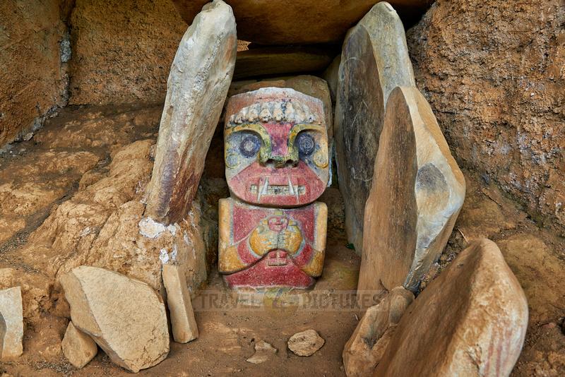 El Purutal, painted stone carved figures